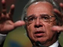 Após reforma da Previdência, Guedes prepara ataques a saúde e educação