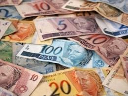 Mínimo sem aumento real empobrece trabalhador e tira R$ 7 bi da economia